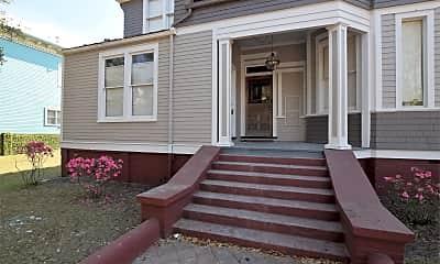 Building, 203 E Gwinnett St, 1