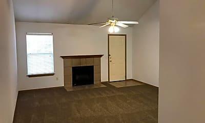 Living Room, 803 E Olrich St, 1