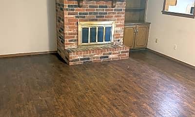 Living Room, 1104 Summerton Pl, 1