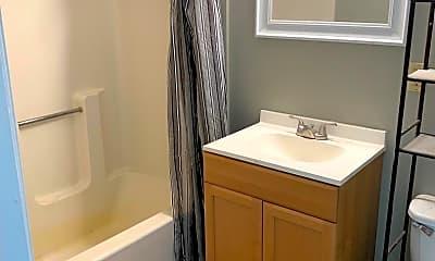 Bathroom, 52 Grant St, 2