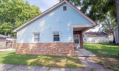 Building, 1300 Morton St, 2