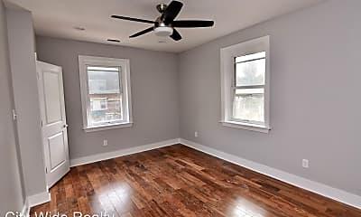 Bedroom, 4900 Pine St, 1