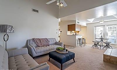 Living Room, 4202 E Friess Dr, 1