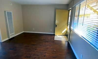 Living Room, 1765 Magnolia Ave, 1