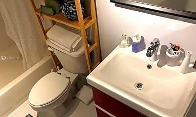 Bathroom, 1010 NW 11th St 206, 2
