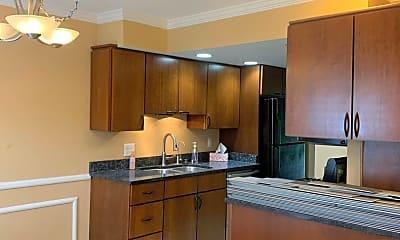 Kitchen, 2589 Scioto View Ln, 1