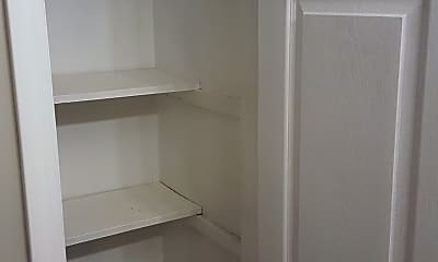 Bathroom Linen closet, 10316 Greentree Lane, 3, 2