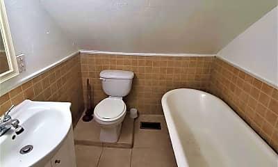 Bathroom, 2319 Aspin St, 2