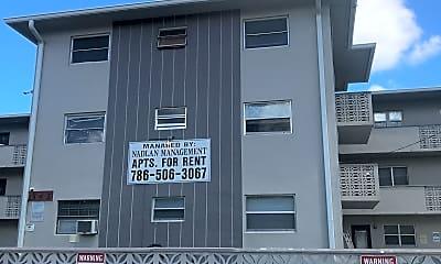 Highland Park Apartments, 1