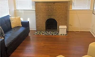 Living Room, 2512 E Cesar Chavez St, 1