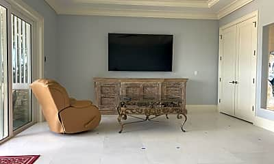 Living Room, 1480 Seaway Dr 5, 2