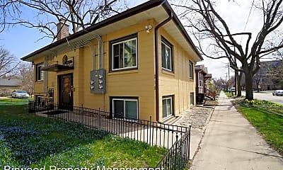 Building, 215 N Ingersoll St, 2