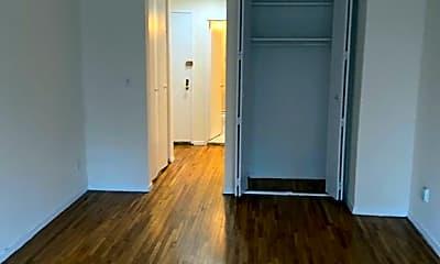 Bathroom, 324 E 35th St, 2
