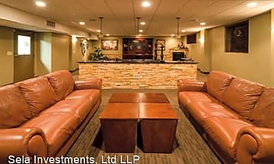 Living Room, 640 Oak Ridge Rd, 1