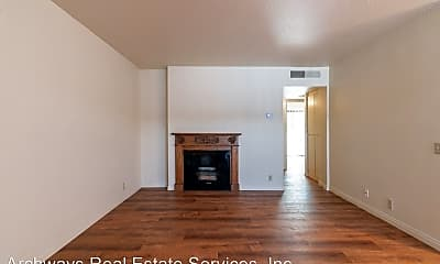Living Room, 6645 Coldwater Canyon Ave, 1