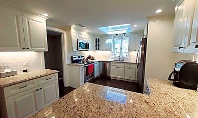 Kitchen, 16 Davenport Ave, 1