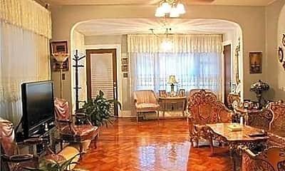 Living Room, 9023 Ridge Blvd, 1