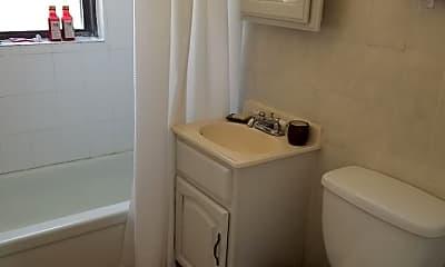 Bathroom, 1008 Curtiss St, 2