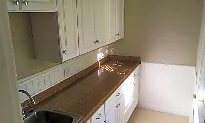 Kitchen, 15 Hillside St, 2