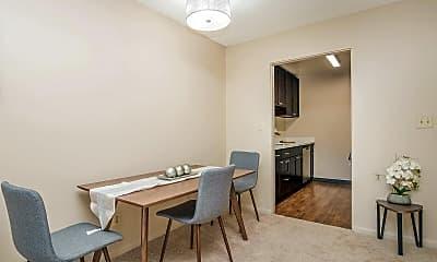 Dining Room, 3031 NE 137th St, 1