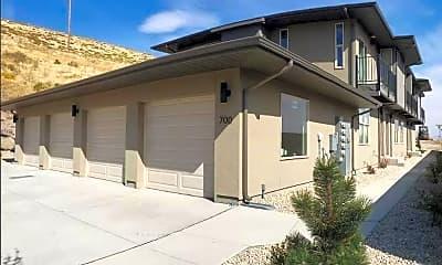 Building, 740 Bluffs Ct 102, 1