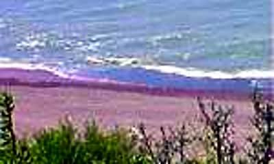 The Sandcrest, 1