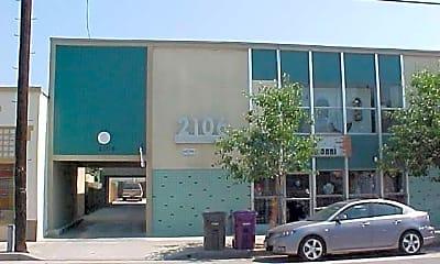 2106 E 4th St, 0