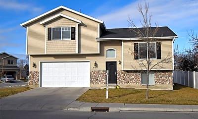 Building, 815 W 530 S, 2