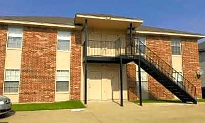 Building, 5804 Redstone Dr, 1