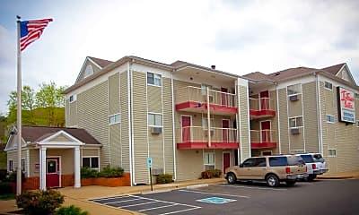Building, InTown Suites - Highway 290 (ZHW), 0