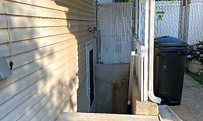Patio / Deck, 284 Wilson Ave, 1