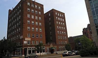 Hudson Pointe Apartments, 2