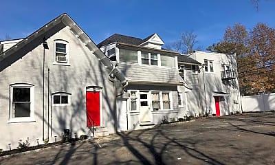 Building, 425 Plainfield Ave 4, 2