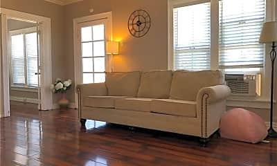 Living Room, 907 N Garfield Ave H, 1