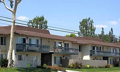 Mountain Crest Apartments, 0