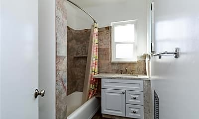 Bathroom, 1246 Chelsea Ave B, 2