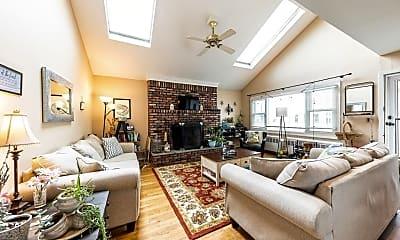 Living Room, 112 Taft Ave MAIN, 1