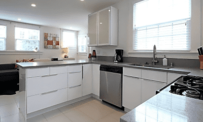 Kitchen, 151 W Kalmia St, 1