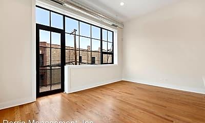 Living Room, 4405 N Artesian Ave, 1
