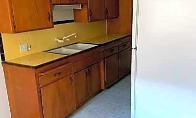Kitchen, 1234 E Santa Clara St, 1