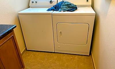 Bathroom, 667 San Jose Avenue, 2
