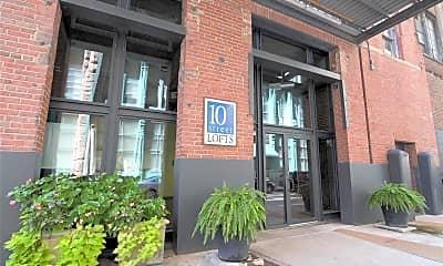 Building, 1010 St Charles St 604, 1
