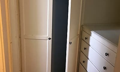 Bedroom, 944 Tiverton Ave, 1