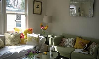 Living Room, 2021 Goss St, 0