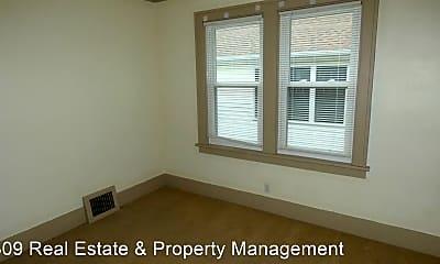 Bedroom, 725 W Corrington Ave, 1