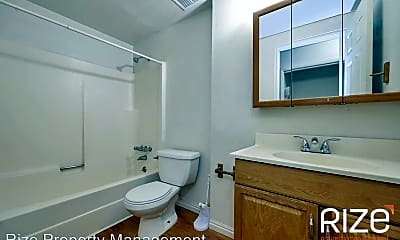 Bathroom, 218 E Crestone Ave, 2