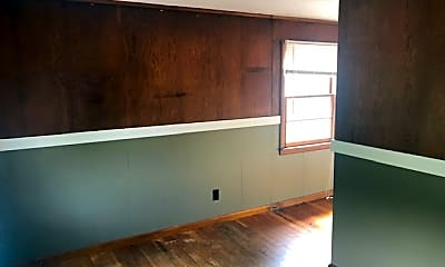 Living Room, 381 Marlboro St, 2
