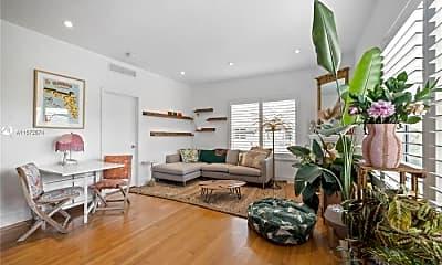 Living Room, 935 10th St, 1