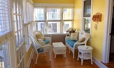 Living Room, 108 N Quincy Ave, 1