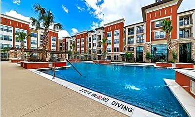 Pool, 659 Junction Dr, 2
